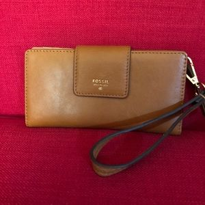 BNOT Fossil Wristlet Convenience Never been Used